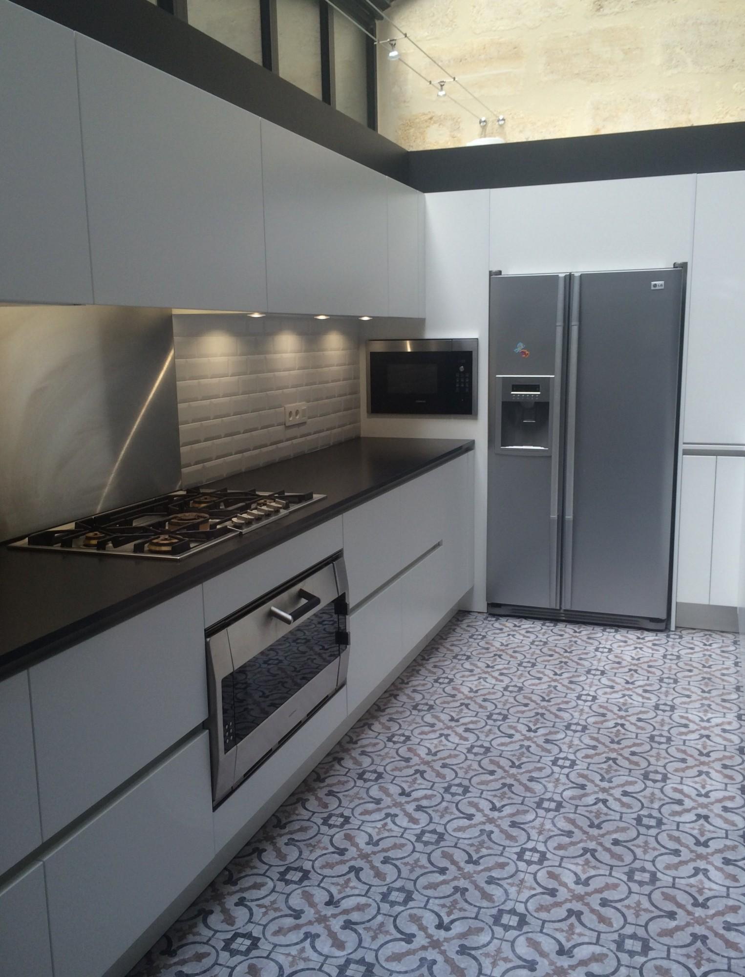 Plan De Travail Cuisine En Granit Noir cuisine coloris blanc mat et plan de travail granit noir